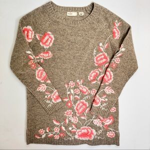 Sleeping on Snow Floral Embroidered Sweater Small
